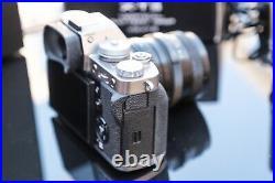 Digitalkamera Fujifilm XT-3 mit Batteriegriff VG-XT3 (TOP Systemkamera)
