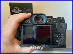 Fujifilm X-T2 Systemkamera, mit Batteriegriff, Akkus, Ledertasche, Buch und OVP