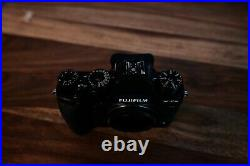Fujifilm X-T2 with Fuji battery booster grip. Extras. Zubehörpaket