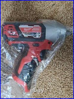 NEW Milwaukee M12 2463-20 3/8-Inch 3/8 Impact Wrench Kit with Battery + Charger